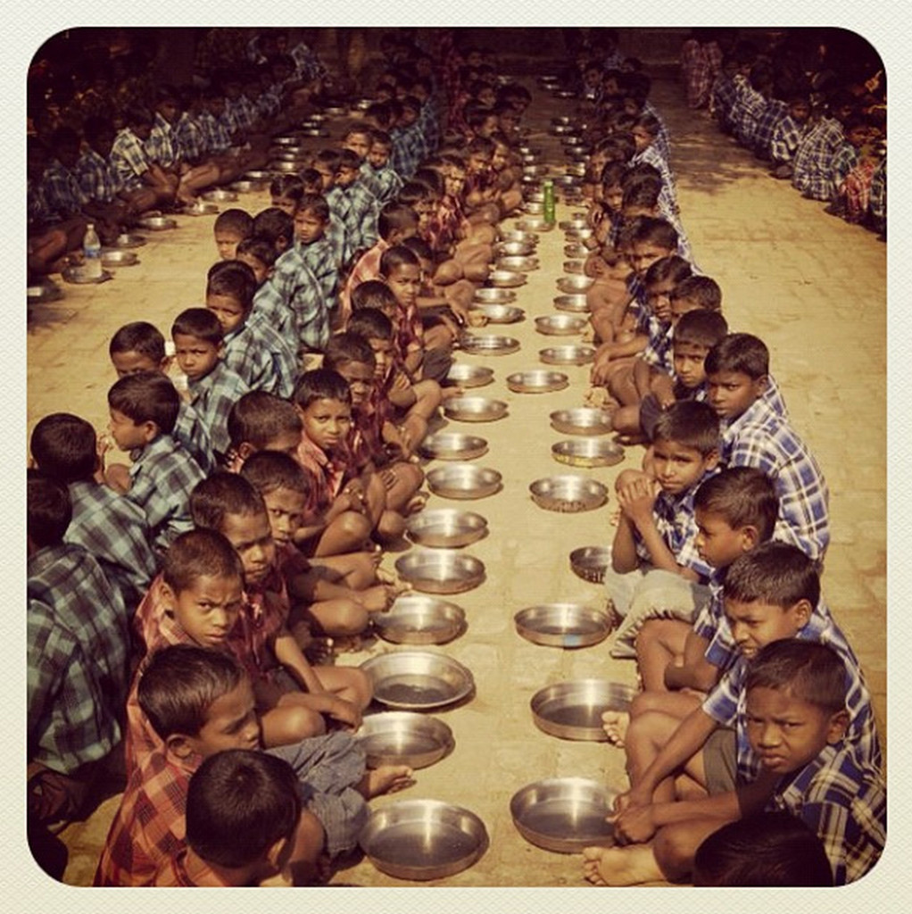 Meal-Time-Compassion-India